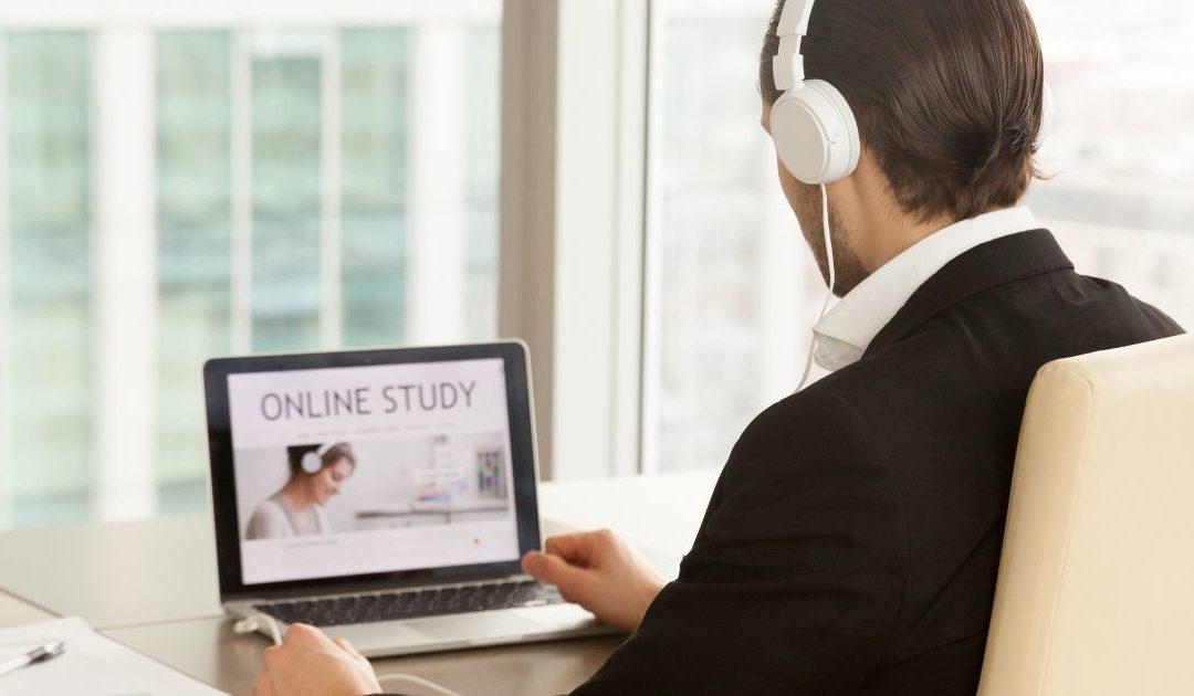 Reden gegen die Wand? –  Oder: Wie kommuniziere ich im virtuellen Trainingsraum?
