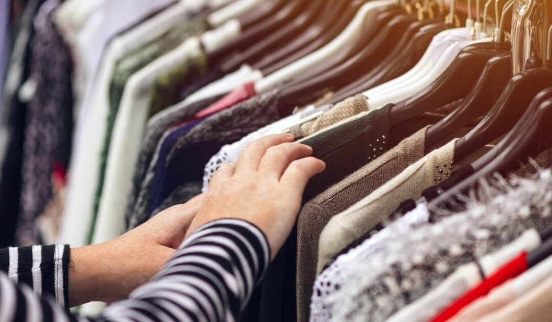 First Hand Style, Second Hand Clothing – Or: How we can dress more climate friendly
